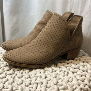 Lucky Brand Baley Booties 10M